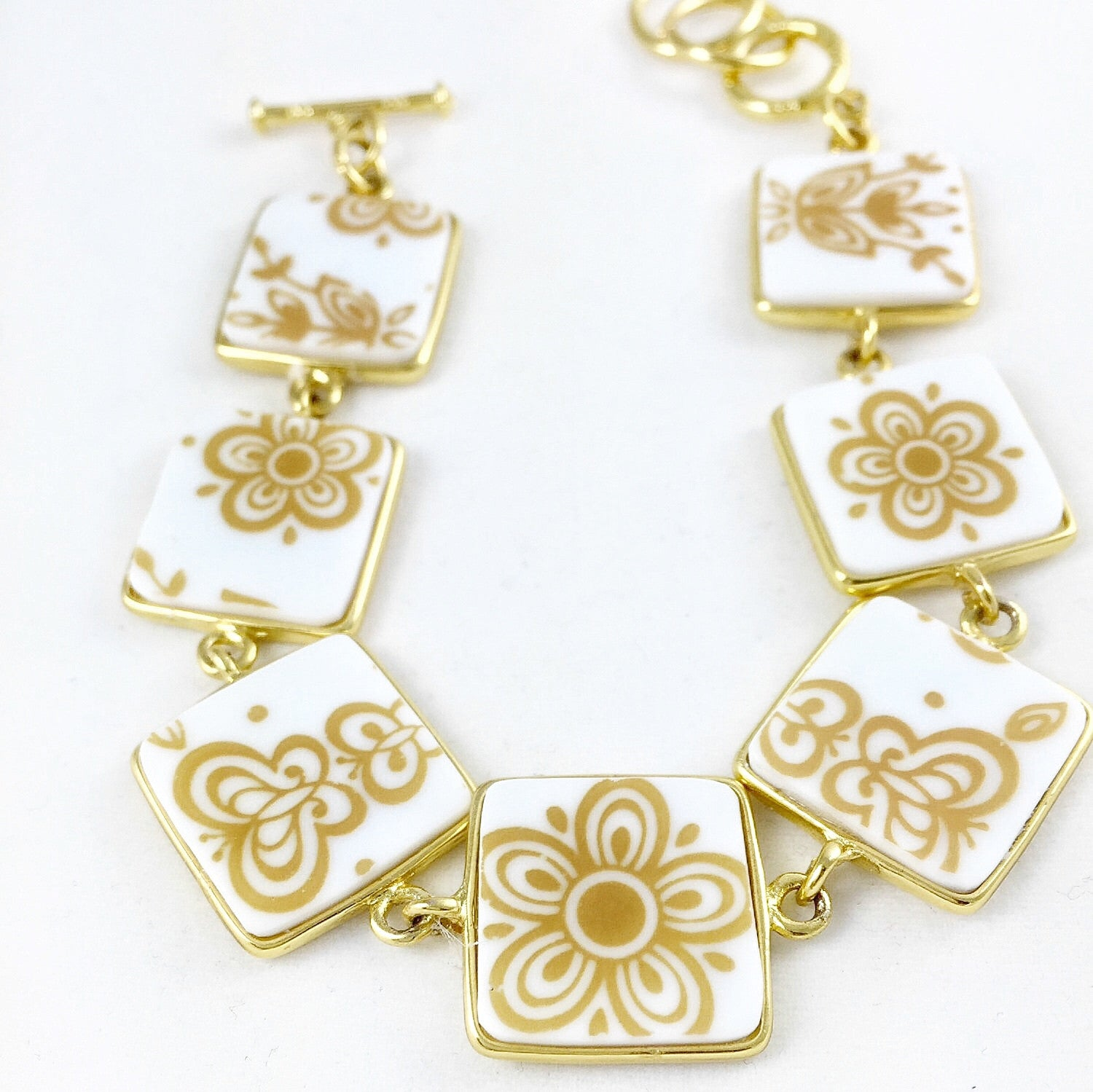 Broken China Jewelry - Golden Corelle bracelet additional image