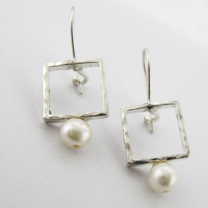 Yair Stern - Square Pearl Earrings
