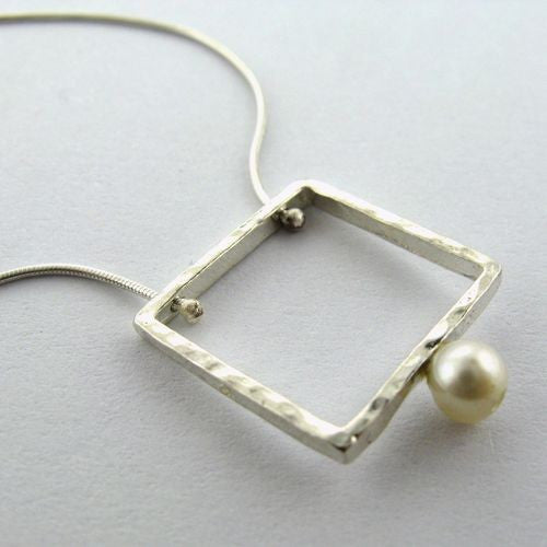 Silver Sq Hanging Pearl Necklace
