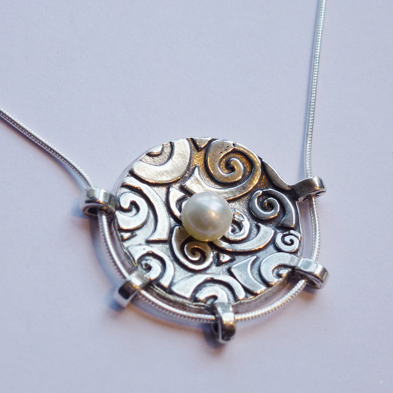 Spiral Circle Necklace with Pearl