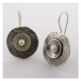 Reticulated silver circle earring