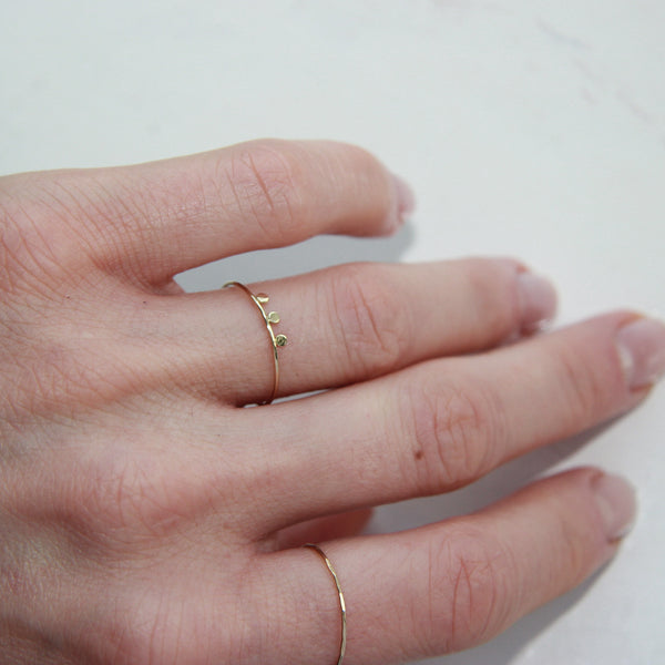 TINY DOTS RING - 0.8MM BAND - Irena Chmura Jewellery