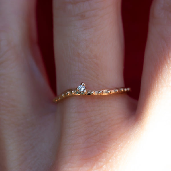 RIPPLE DIAMOND SOLITAIRE RING