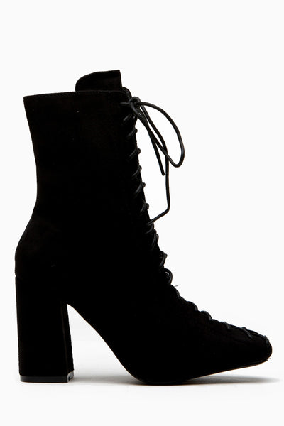 Cape Robbin Betisa-6 Black Women's Lace-Up Size Zipper Block Heel Ankle Booties