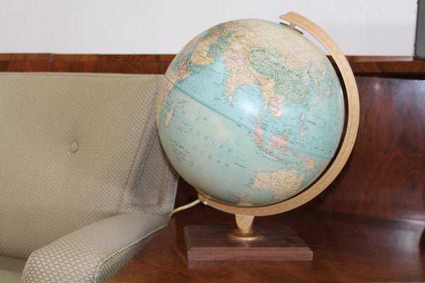 Vintage world Globe /Light
