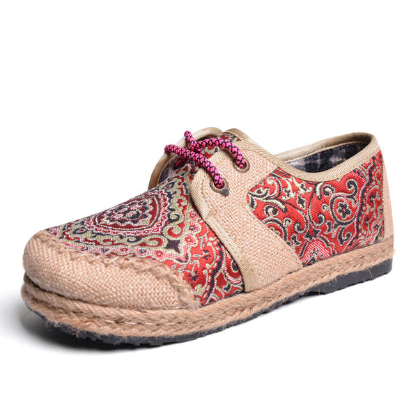Traditional Women's Flats with Vintage look