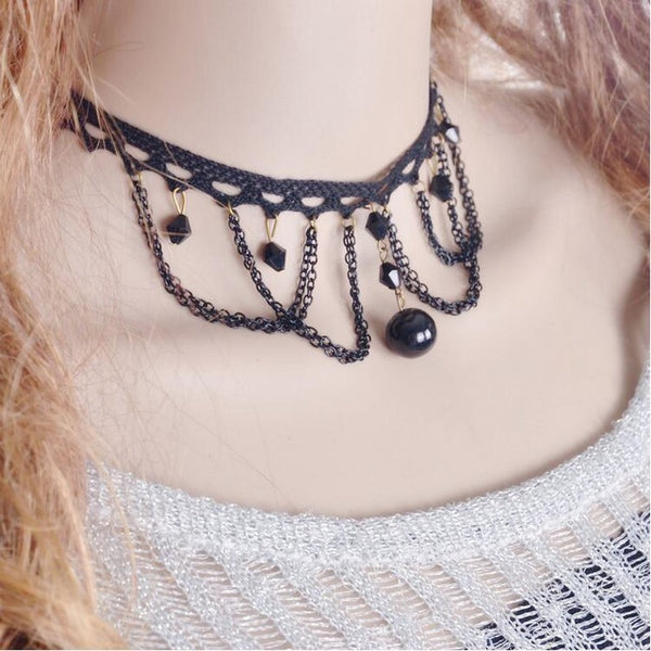 Hollow lace choker necklace