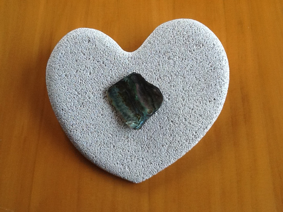 Heart with Paua (hebel)