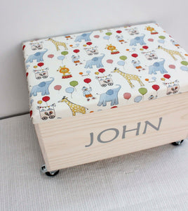 Toy box with lid + lockable wheels