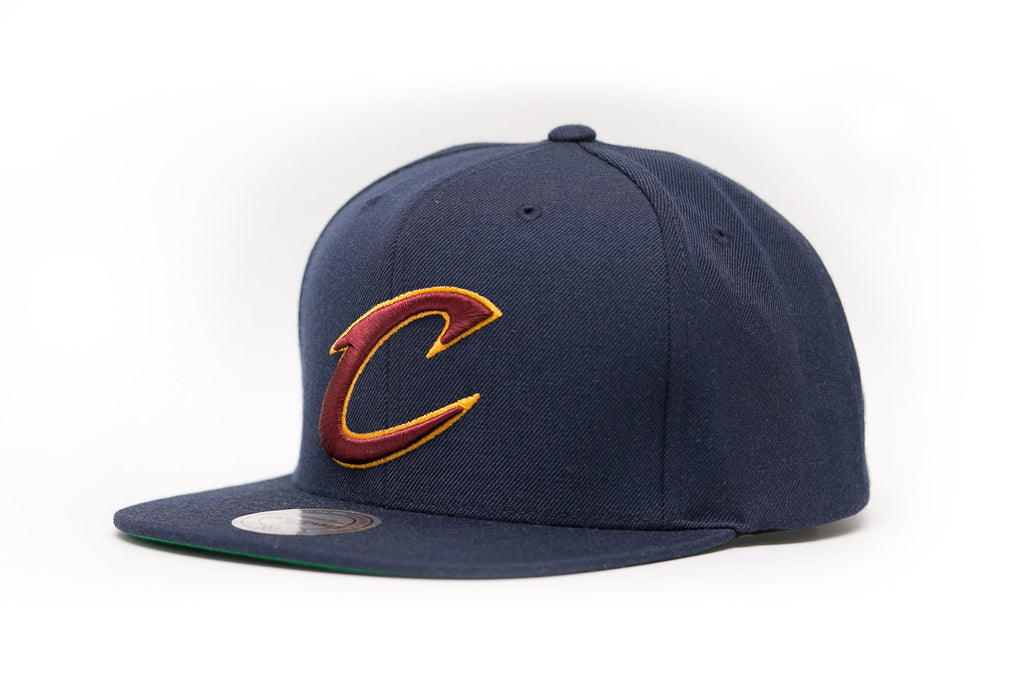CLEVELAND CAVALIERS MITCHELL & NESS NBA TEAM LOGO SNAPBACK CAP HAT - Sneaker Rise