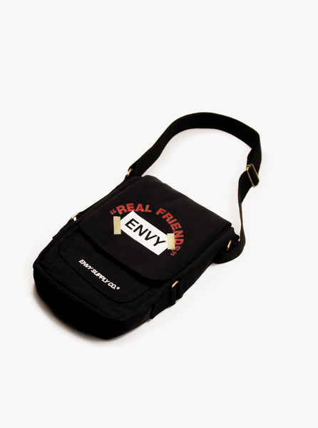 REAL FRIENDS SIDEBAG IN BLACK