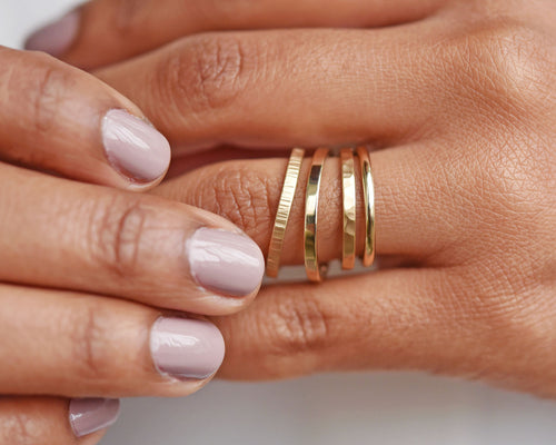 How to (sneakily) find out your partner's ring size