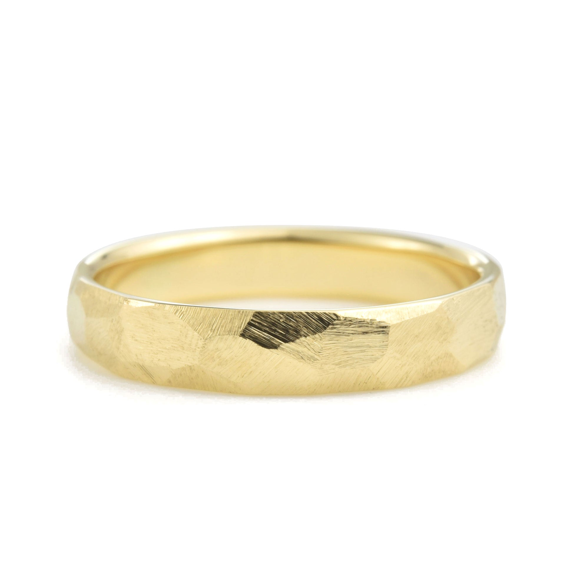 4mm Geo Wedding Band in yellow gold