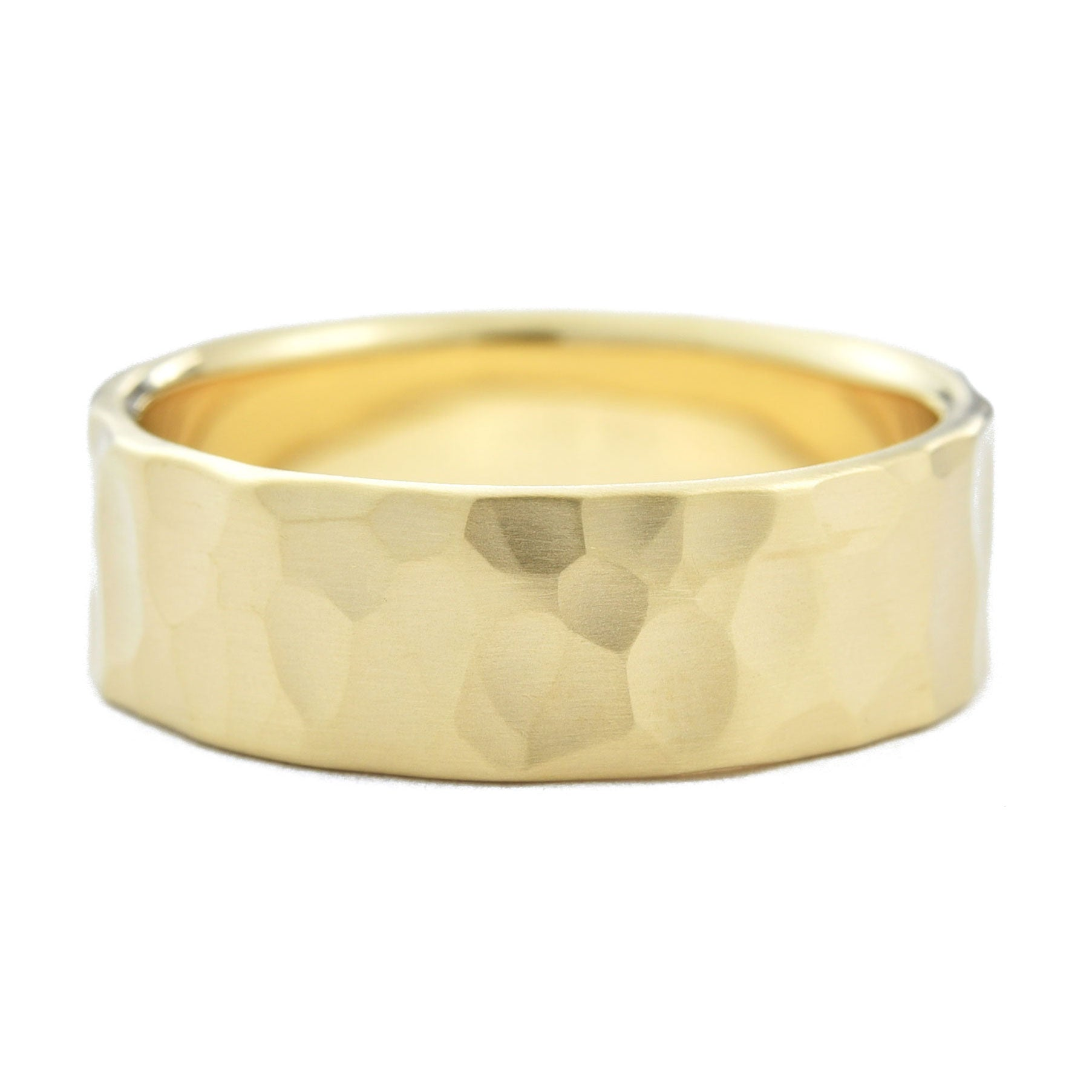 Men's 7mm Hammered Wedding Band in yellow gold