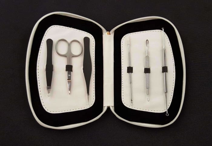 Comedone Extractor Tweeze And Trim Tool Kit - Estyspot Exclusive - White Case / Black - Esthetician Equipment