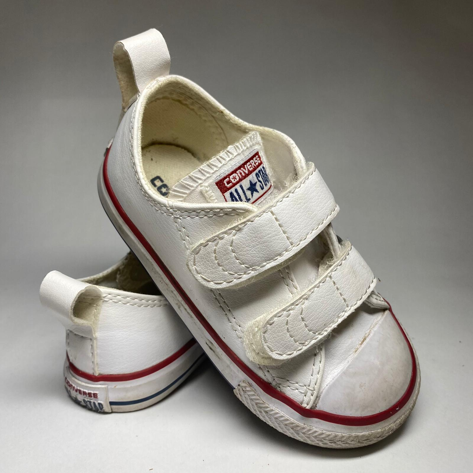 Kid's Converse sneakers US size 6