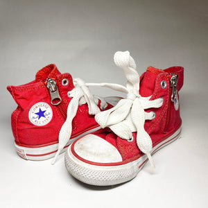 Kid's Converse sneakers US size 7