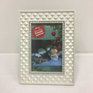 "DIY ""Merry Christmas Friends"" Frame"