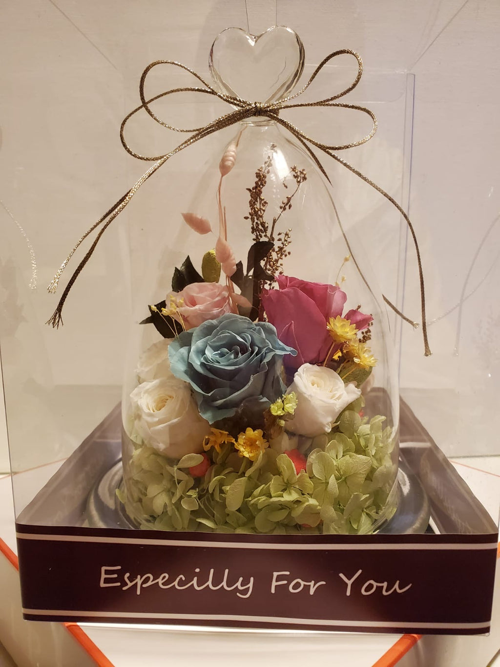 Elegant Preserved Flower Gift Set