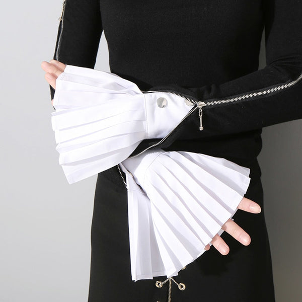 Women Pleated Cuff