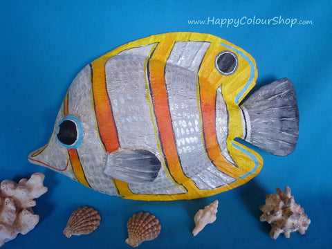 Smiling orange/silver butterfly fish