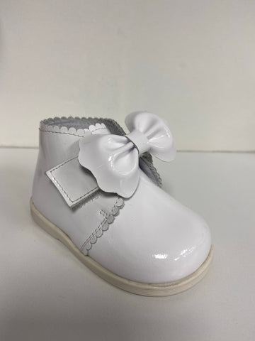 Andanines White Velcro Bow Boot