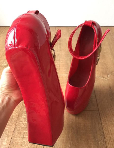 Zora Fetish Heelless Hoof Sole Platform Pump Lockable Padlock Strap Patent Red