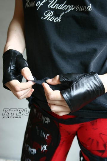 Genuine Leather Extra Soft Lambskin Punk Boxing Fighting Biker Riding Fingerless Glove