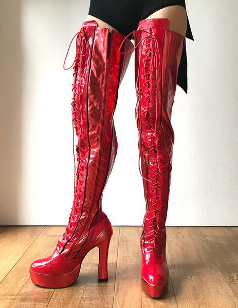 RTBU KINKY 15cm Spool Platform Goth Crotch Lace Zip Red Metallic