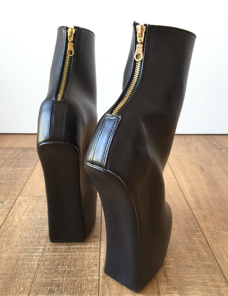 ZEUS Fetish Stallion Horse Pony Hoof Sole Ankle Golden Pinup Golden Zip BDSM