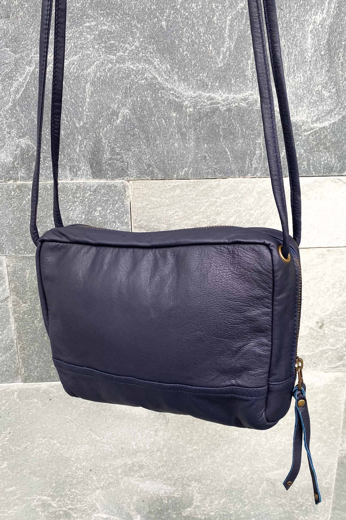 HANDBAG - BLUE BABOU
