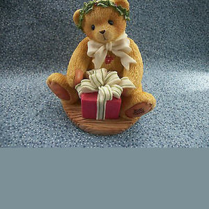 Cherished Teddies Margy 'I'm Wrapping up a Little Holiday Joy to Send Your Way'. Enesco – 1998 Limited Edition Figurine.