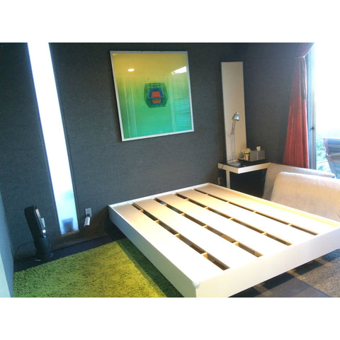 Modern Floating Style White Platform Bed Frame in Queen Size