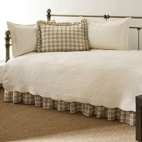 Twin 5-Piece Daybed Quilt Set with Scalloped Edges in Ivory Cream White Beige-Bedroom > Quilts & Blankets-Loluxe