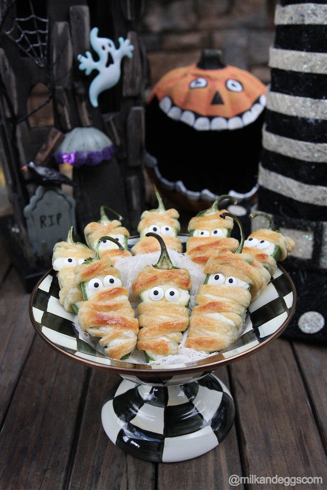 Halloweeño Jalapeño Popper Mummies Recipe