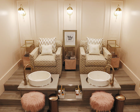 Miki'ao Nail Bar, Honolulu, Hawaii ~ 5 places to pamper yourself on Oahu via Aloha Apothecary