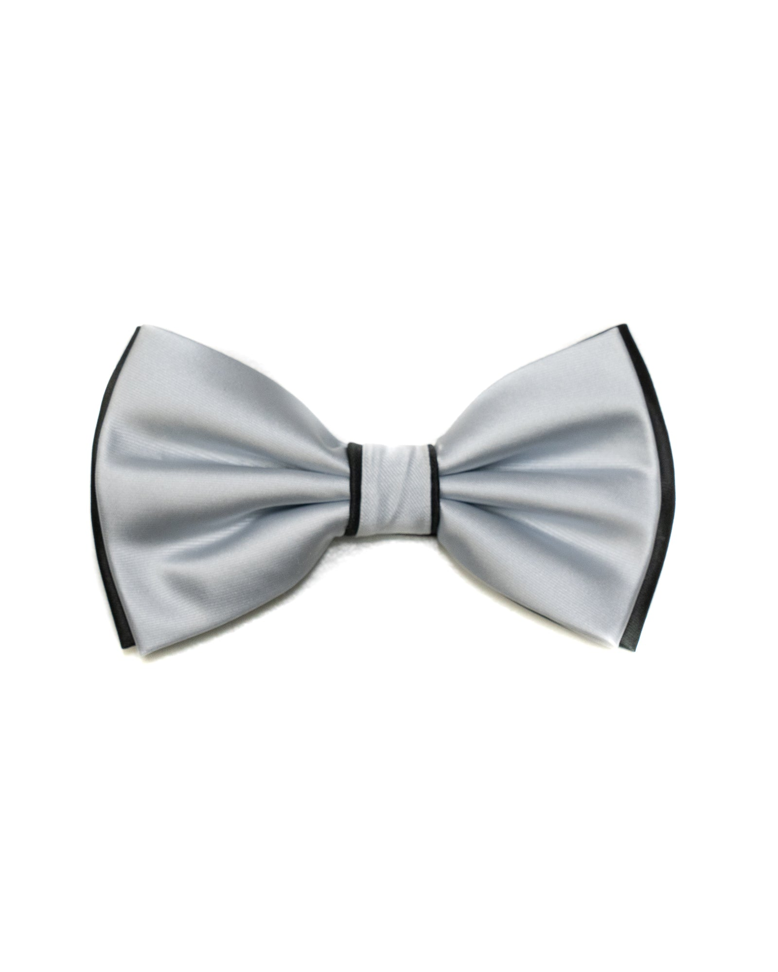 Bow Tie In Two Tone With Two Pocket Squares In Silver & Black - Rainwater's