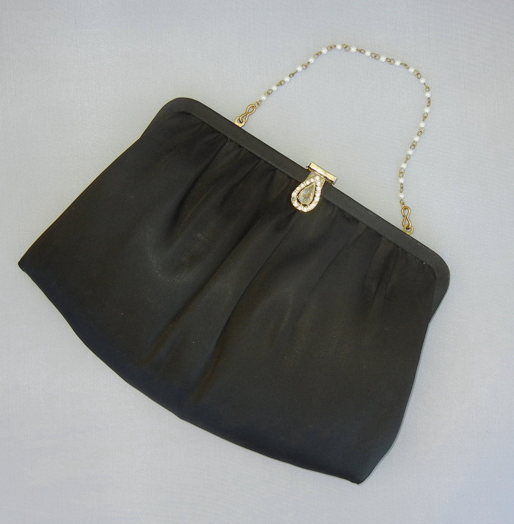 Elegant Black Vintage Purse with Pearlette Chain