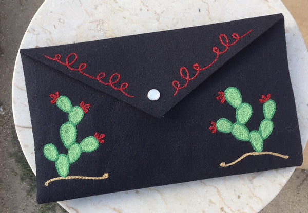 Chainstitch embroidered Cactus Clutch