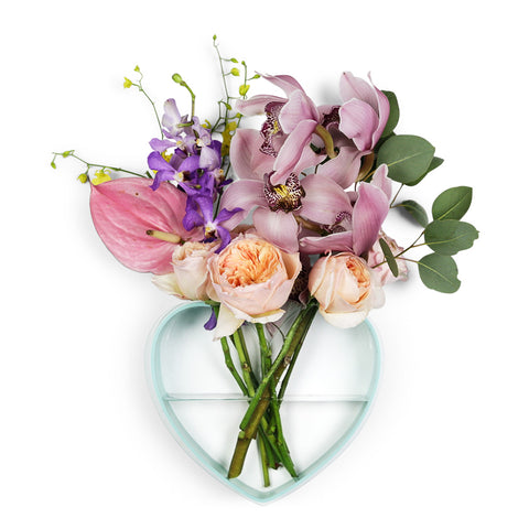 QUEEN OF HEARTS CLEAR HEART VASE