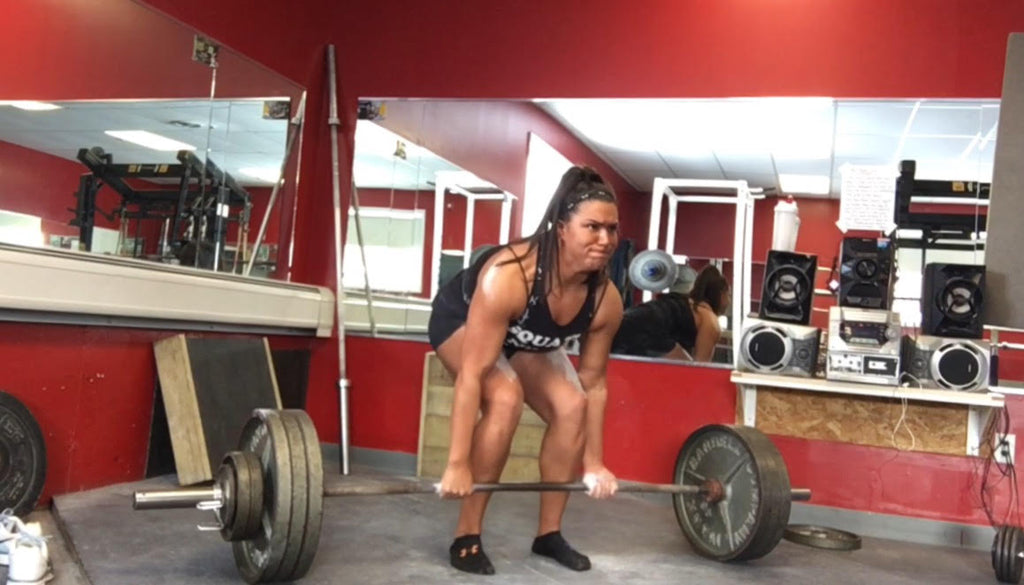 girl deadlifting, girls powerlifting