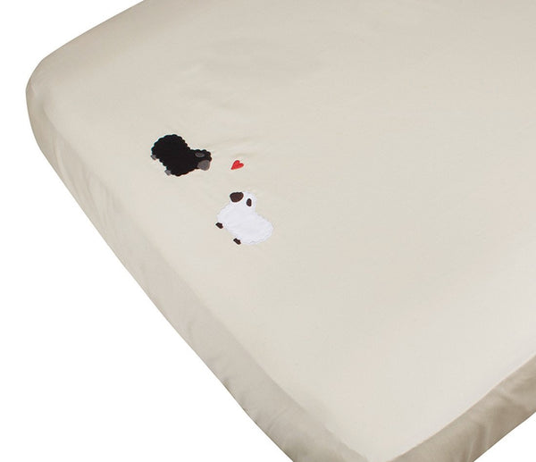 Petite Vigogne Black Sheep crib fitted sheet