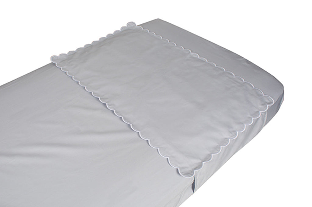 Petite Vigogne Dream crib sheet protector
