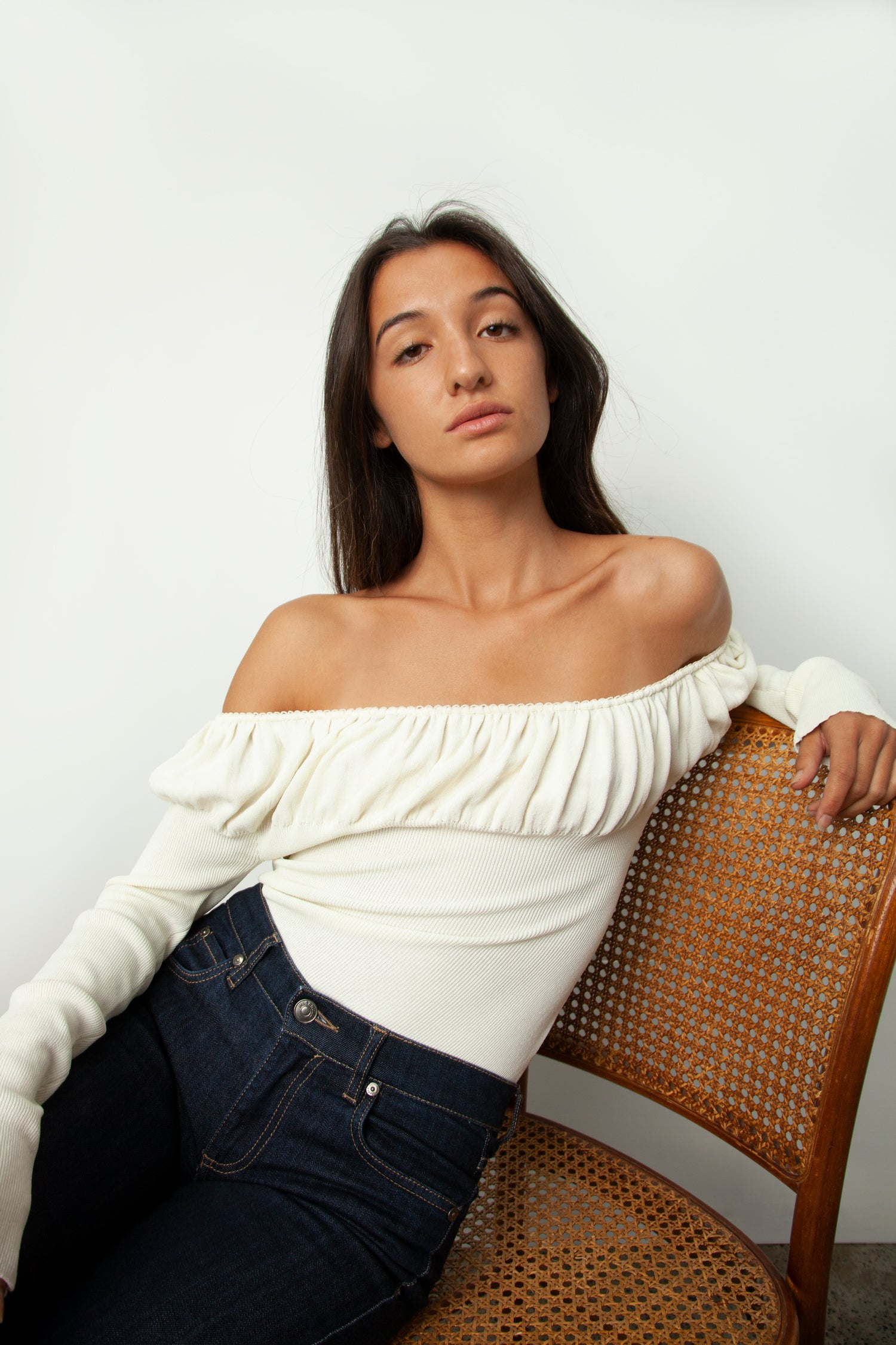 OFF-THE-SHOULDER KNIT