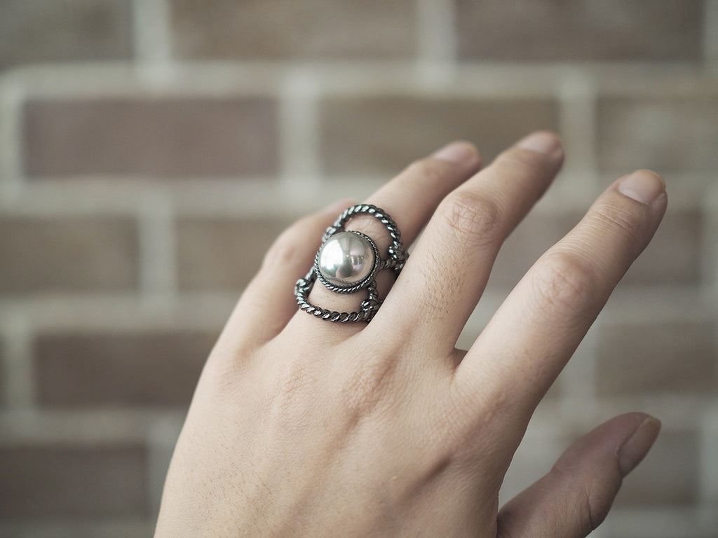 Stretching Moon Ring