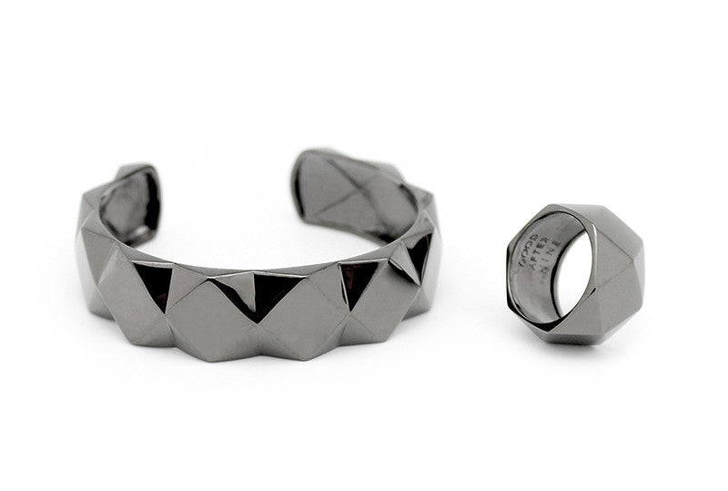 Ballad of Pyramid Thick Black Ring