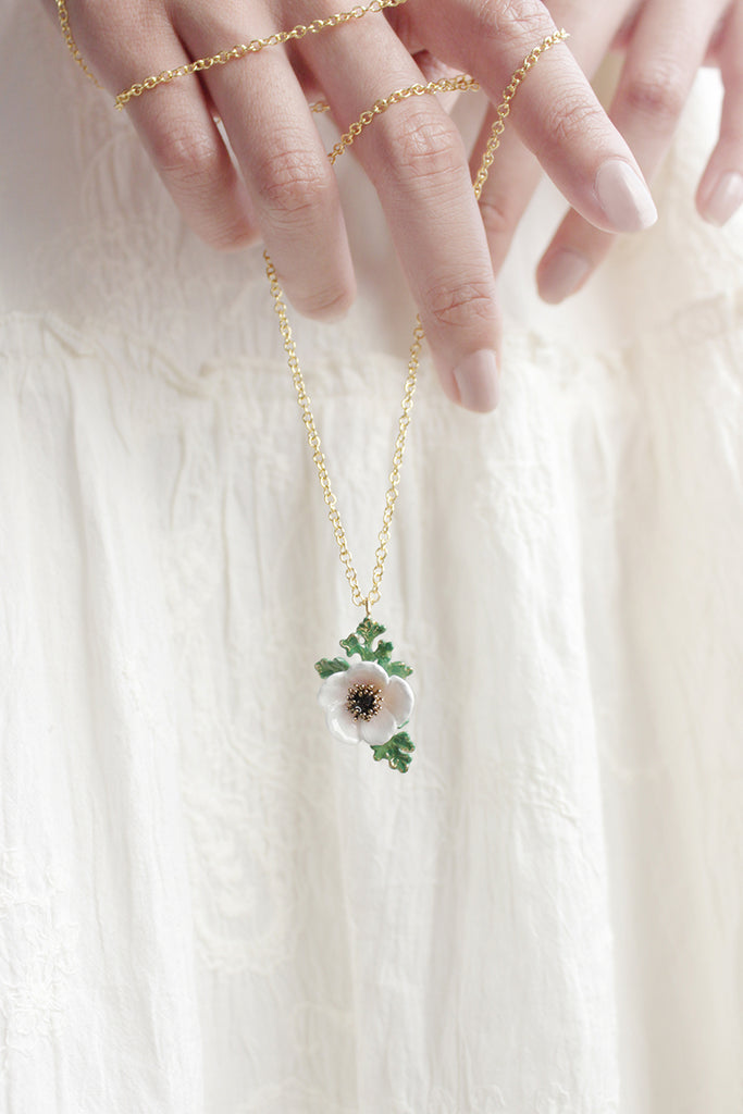 Anemone Necklace White