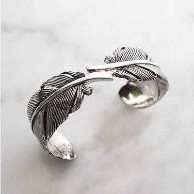 Feather Bangle Silver-Black  | FEATHER