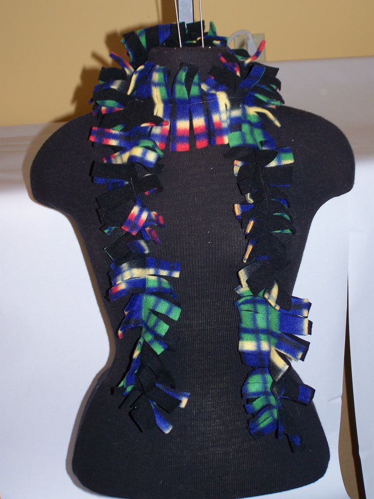 "75"" Fleece Scarf (Black/Multi Plaid)"