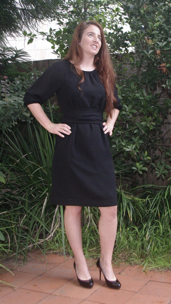 Ailin dress choose black, blue or red